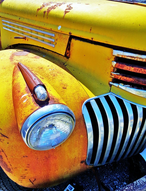 Old Ford truck via Flickr