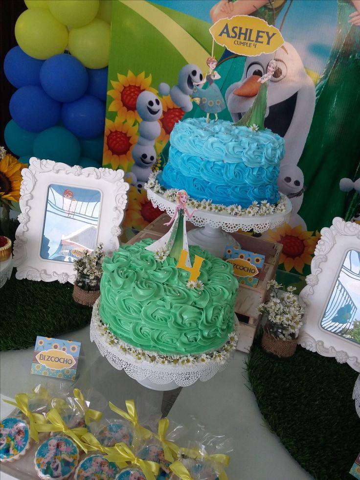 Cake topper y detalles personalizados.
