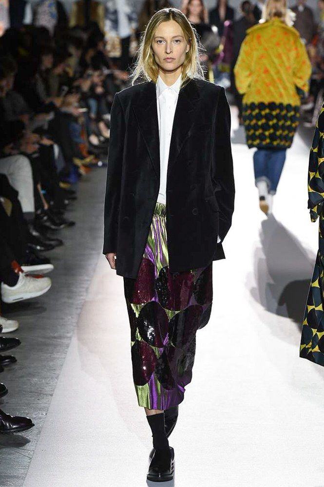 898 best fashion images on pinterest fashion show woman for Dries van noten designer
