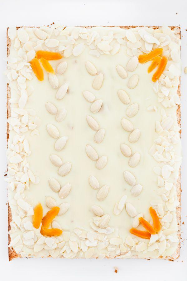 ℴmarzipan & white chocolate easter shortbread cakeℴmazurek marcepanowy z białą czekoladą ℴ