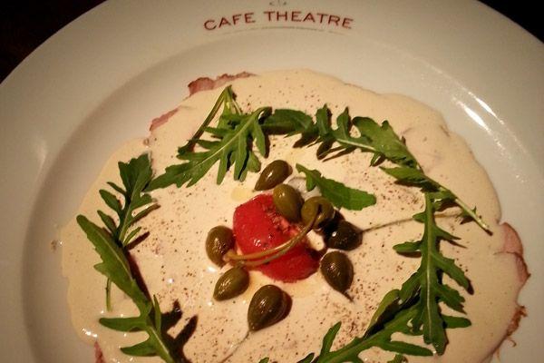 Een recept van het Gentse restaurant Cafe Theatre, waar van 1 oktober tot 15 november de actie 'Tafelen met een Hart voor Kinderen' plaatsvindt: van elk ge...