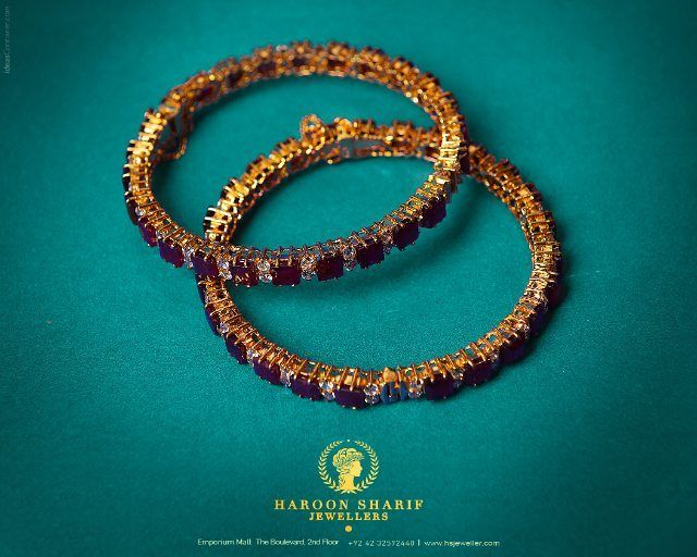 Symbol Of Simplicity Jewellers In Lahore Haroonsharif Haroonsharifjewellers Gold Diamo With Images Pure Gold Jewellery Gold Diamond Jewelry Pakistani Bridal Jewelry