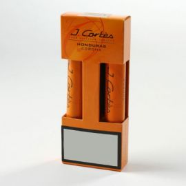 J.Cortes Honduras Corona Cigars is an elegant and smooth luxury short filler cigar.The binder consists of high-quality Java Besuki tobacco and the filler consists of a blend of specially selected tobaccos from Central America. The cigar has a smooth flavour with a subtle aroma and is full in the mouth making ideal both for aficionados and novice cigar smokers.