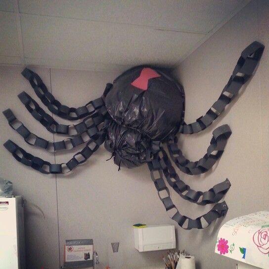 Easy Halloween Classroom Decorations : Easy to make halloween decoration for your classroom
