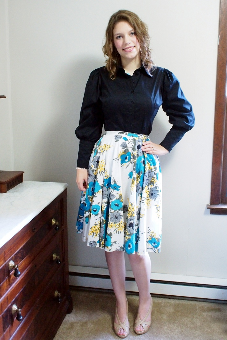 Thin and Curvy: clothing for hourglass shape {great blog}