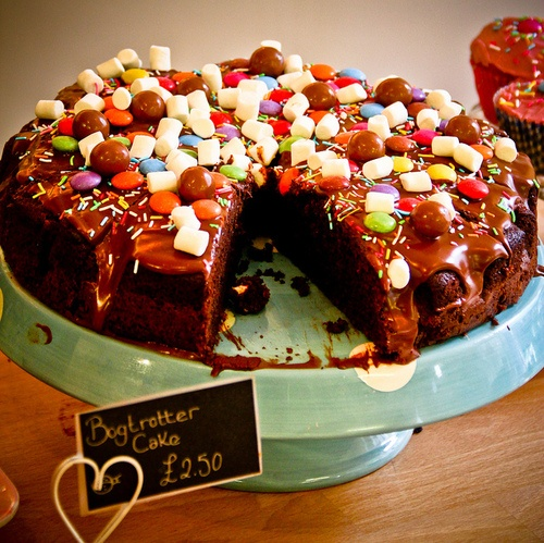 Bogtrotters cake #matilda The Roald Dahl Museum's Cafe Twit, where you can try BFG cookies and Bogtrotter cake.