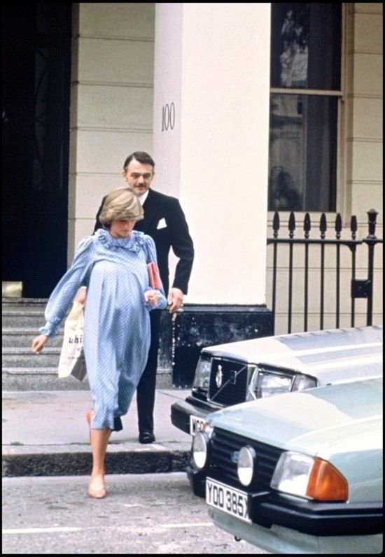 1982-06 Another visit to doctor, Mr George Pinker, in Harley Street, during the last weeks of Diana's pregnancy