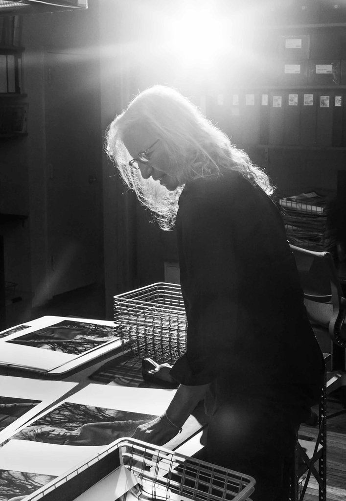annie leibovitz her journey as a Leibovitz's journey took her to the town more than a  annie leibovitz brings exhibition to concord  photographer annie leibovitz has taken some of the.