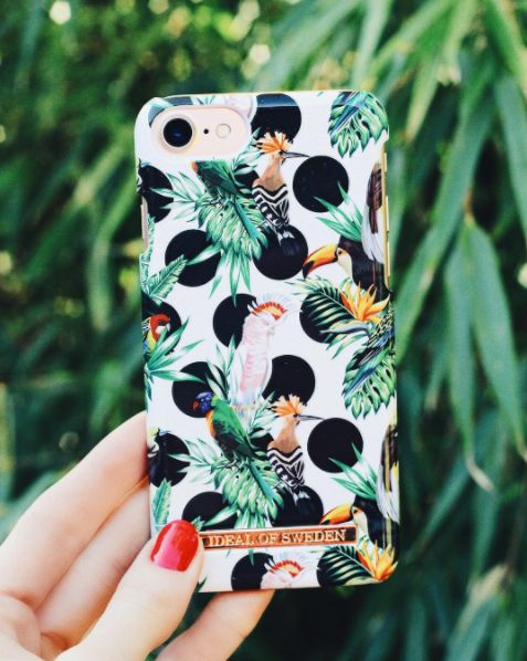 Tropical Dots by lovely @linnealujak - Fashion case phone cases iphone inspiration iDeal of Sweden #Tropcial #birds #leaf #fashion #inspo #iphone