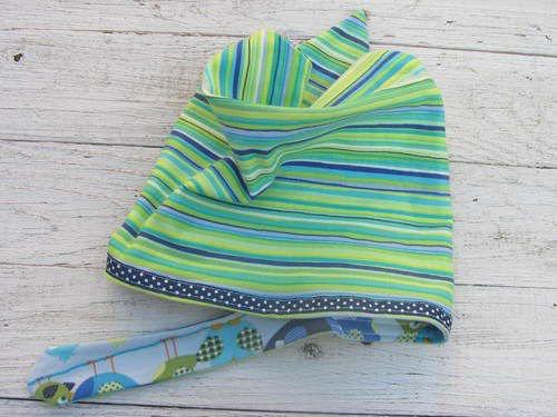 MixG bandana met stoere strepen aan 1 kant en grappige vogels aan de andere kant.