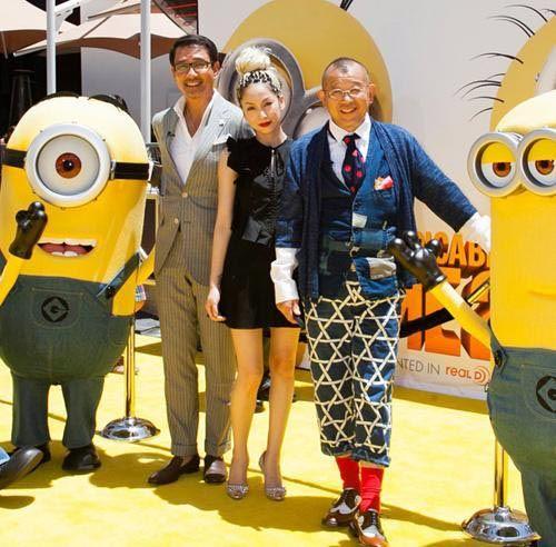 2010年、笑福亭鶴瓶さんの「Aスタジオ」という番組に、聖林公司の代表取締役・ゲン垂水氏が出演しました。ハリウッドランチマーケットの服をプレゼントされた鶴瓶さんは、同ブランドの服をいたく気に入り、また