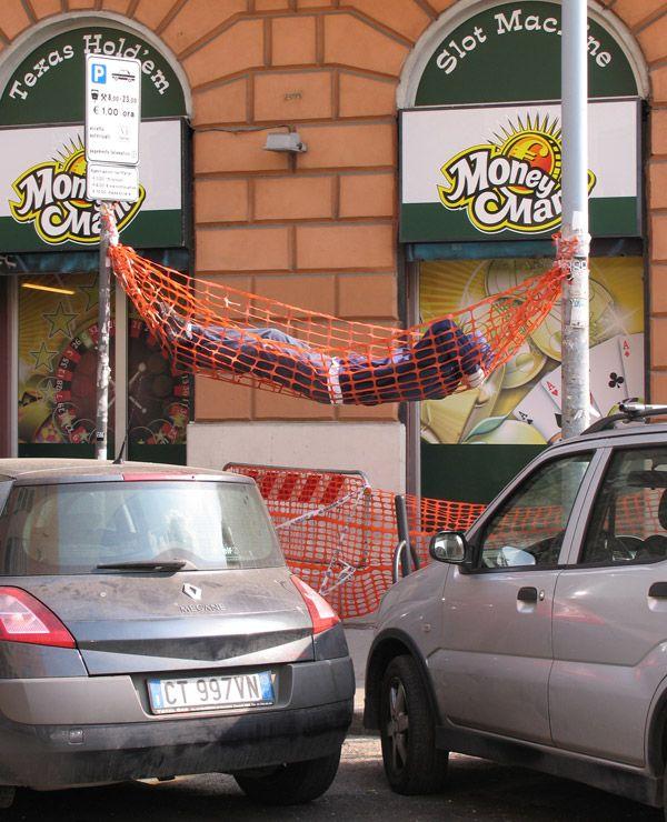 Beats sleeping on the sidewalk!: Homemade Hammocks, Epic Win, Rome Italy, Street Art, Mark Jenkins, Funny, Naps Time, Art Installations, Streetart