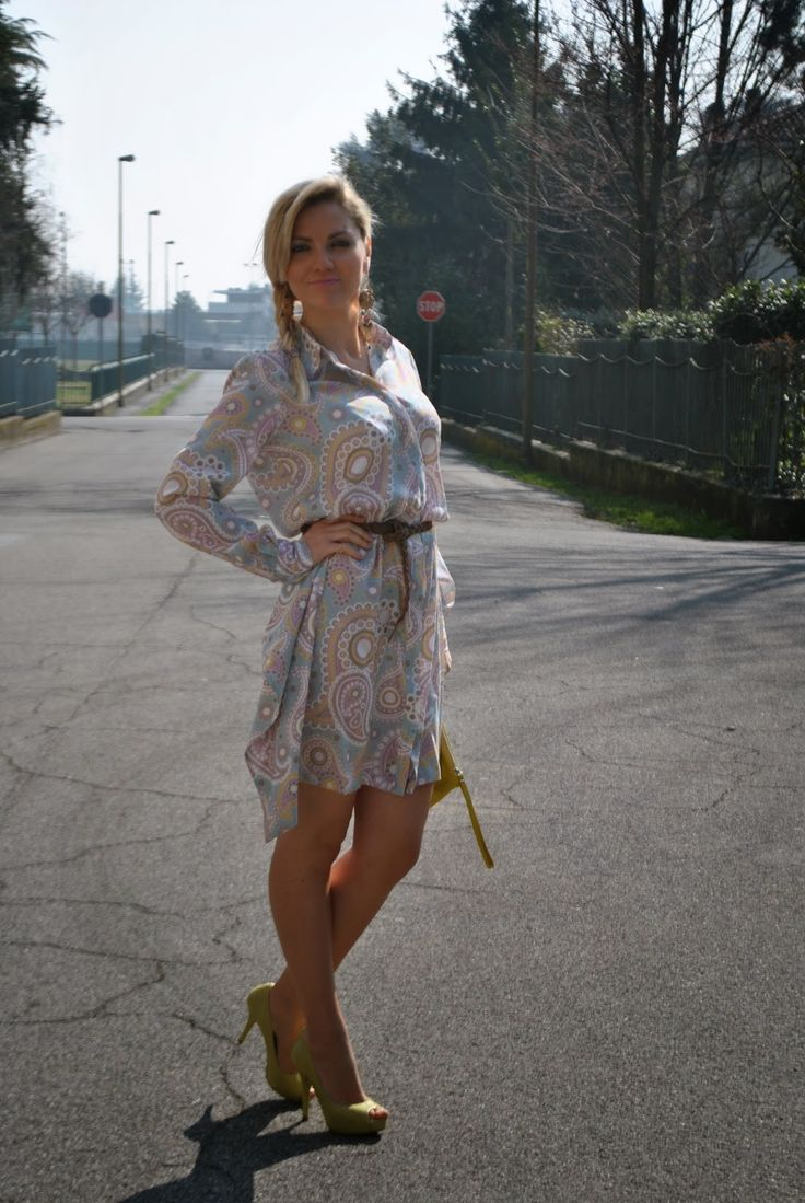 OUTFIT: SHIRT DRESS/ CHEMISIER IN SETA STAMPATA ED ACCESSORI GIALLI!!