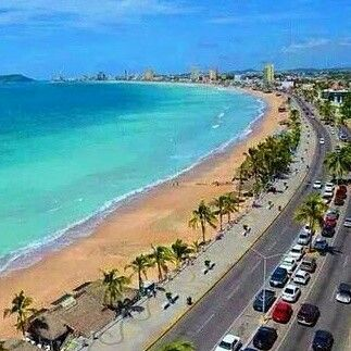 Malecon de Mazatlan, Sinaloa... one of the largest malecon in the world.