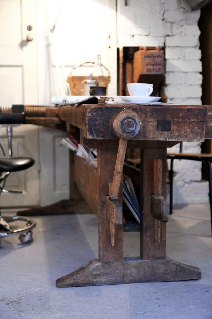 industrial working desk/bench Kijk bij www.old-basics.nl voor unieke oude exemplaren: vintage en industrieel brocante