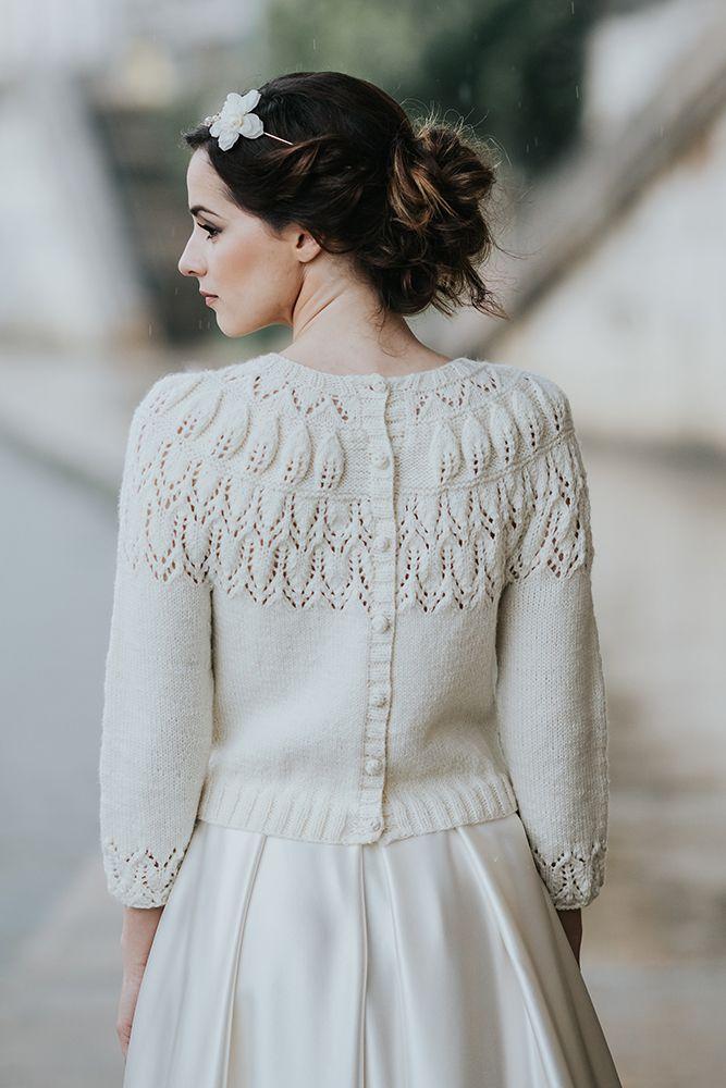 cardigan mariée tricot mariée pull mariee pull pour la mariée, en laine merinos paulette, accessoire de mariage Créatrice robe de mariée sur mesure à lyon et accessoire de mariage tricoté