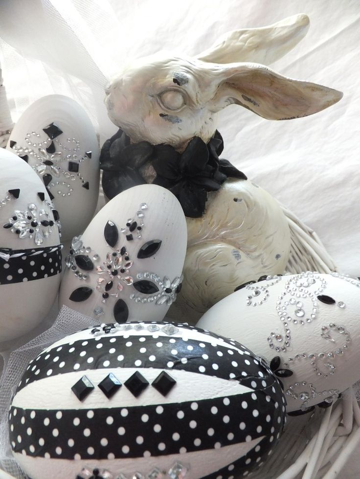 Black and white Easter...isn't it stunning?  By one of my favorite artists.  Check out her blog.