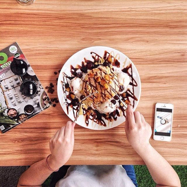 11 hipster cafes in Kuching, Malaysia http://townske.com/guide/12611/hipster-cafes-in-kuching