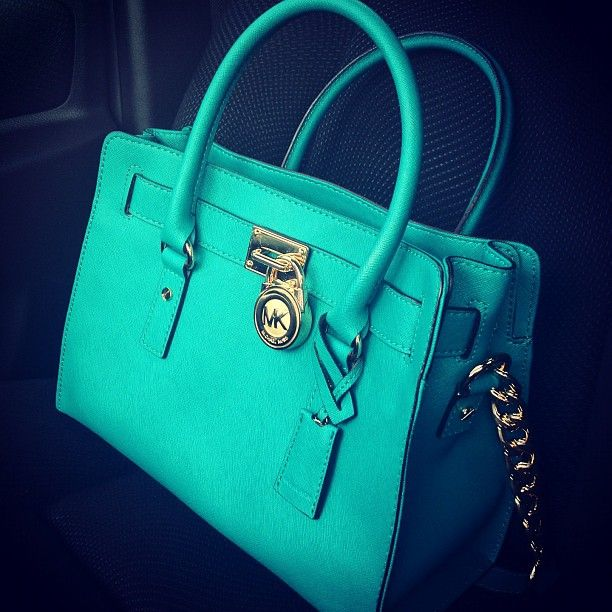 Turquoise Michael Kors, LOVE!: Fashion, Michael Kors Pur, Style, Colors, Tiffany Blue, Design Handbags, Michael Kors Outlets, Michael Kors Bags, Mk Bags