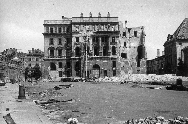 Szent György tér, Honvédelmi Minisztérium