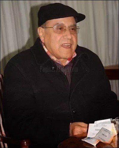 Bouzfourmuestra su solidaridad con las protestas del Rif en el poema titulado '20 de julio', en el que elogia a la ciudad de Alhucemas...