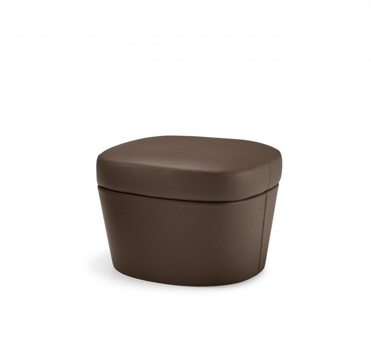 TAM-TAM POUF, design Philippe Bestenheider. Armchair and pouf with multilayer body, fully upholstered in leather (mono-material) or with a combination of saddle leather and leather or saddle leather and fabric (bi-material).