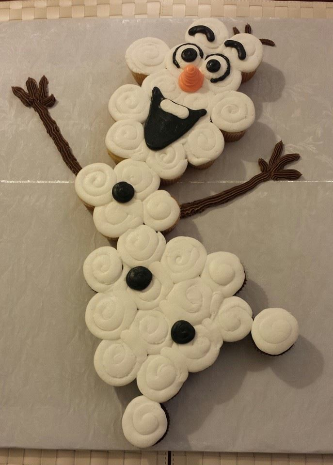 "Olaf cupcake cake :-) From ""Frozen"" Olaf birthday party #Olaf #Frozen #Cupcake 31 cupcakes on a full sheet board"