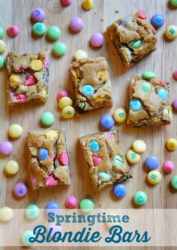 Springtime M&M Chocolate Chip Blondie Bars Recipe, these M&MS Blondie Bars are perfect for Easter Blondies, Valentine's Day Blondies - just use different M&Ms to make them fit your theme! M&Ms bars.