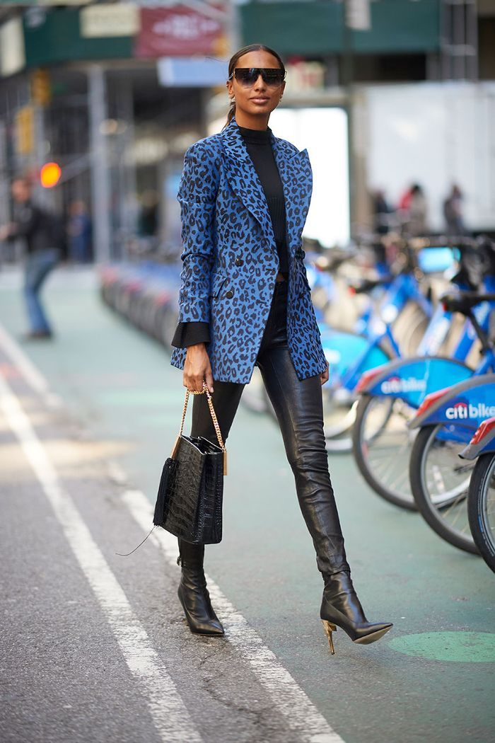 32ba91bc22e Celebrity Leggings and Blazer Outfit  Jasmine Tookes