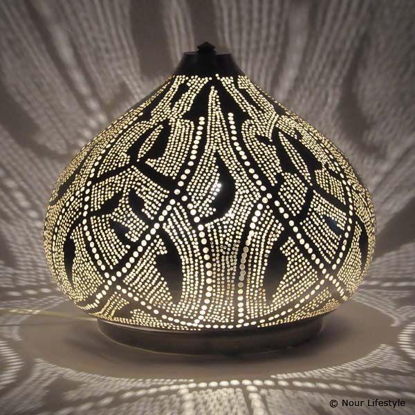 Egyptische tafellamp Farah met Arabisch patroon - www.nourlifestyle.nl