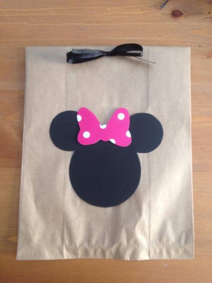 Paper Gift bag Minnie in black and pink