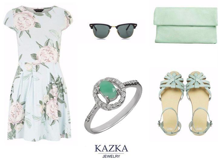 Миловидное кольцо из серебра с фианитами и потрясающим изумрудом нежно-салатового цвета - лучший лук этого лета.  #kazkajewelry #украшения #ювелирныеизделия #серебро