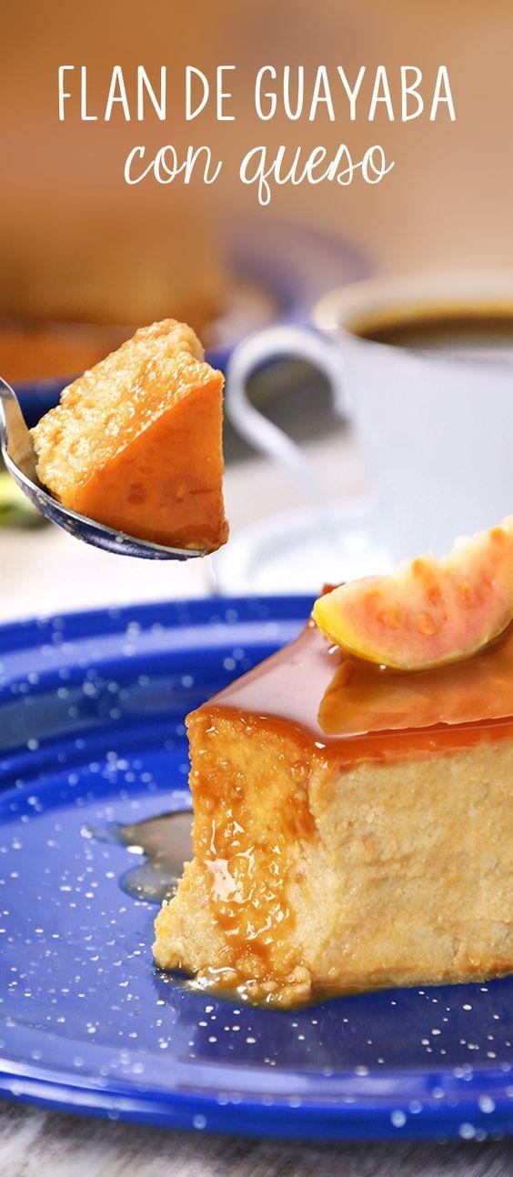 Prepara esta versión diferente de flan de guayaba, con el inigualable sabor que esta fruta mexicana combinado con queso crema y caramelo. Un postre otoñal o de invierno para disfrutar en Día de Muertos o Navidad.