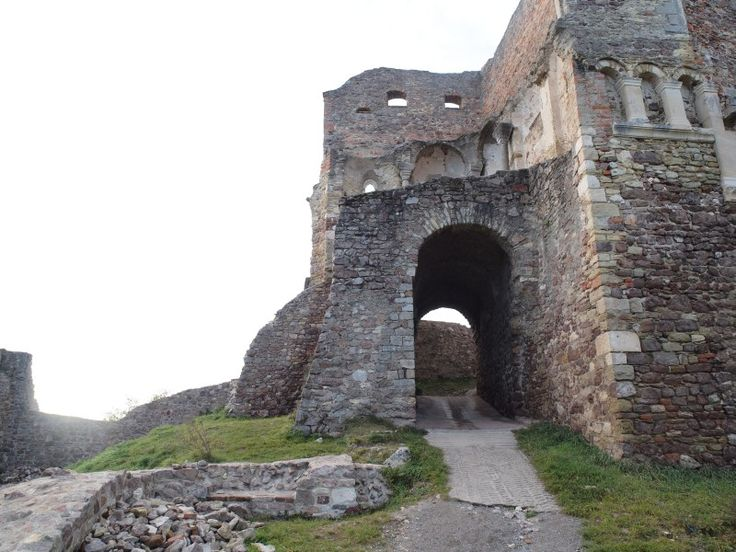 "Ruine ""Burg Donaustauf"" in Donaustauf Bayern/ Bavaria"