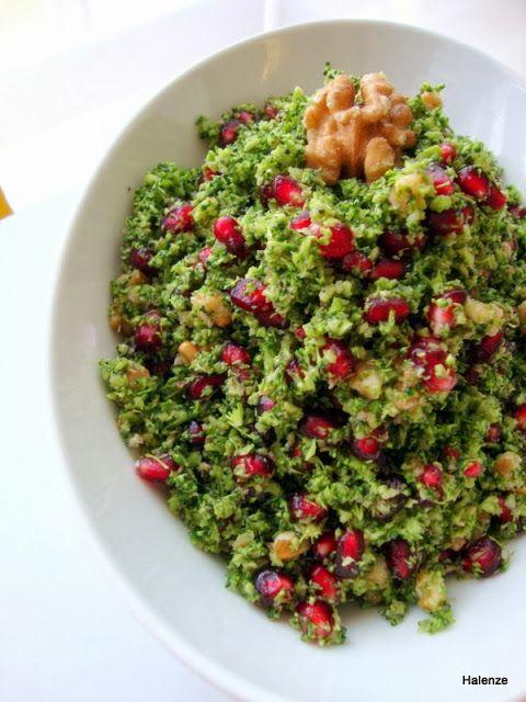 Halenze Özlem'den Resimli Yemek Tarifleri: Narlı Brokoli Salatası