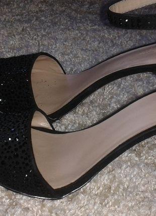 Kup mój przedmiot na #Vinted http://www.vinted.pl/kobiety/sandaly/9780952-czarne-sandaly-z-kamyczkami-na-szpilce