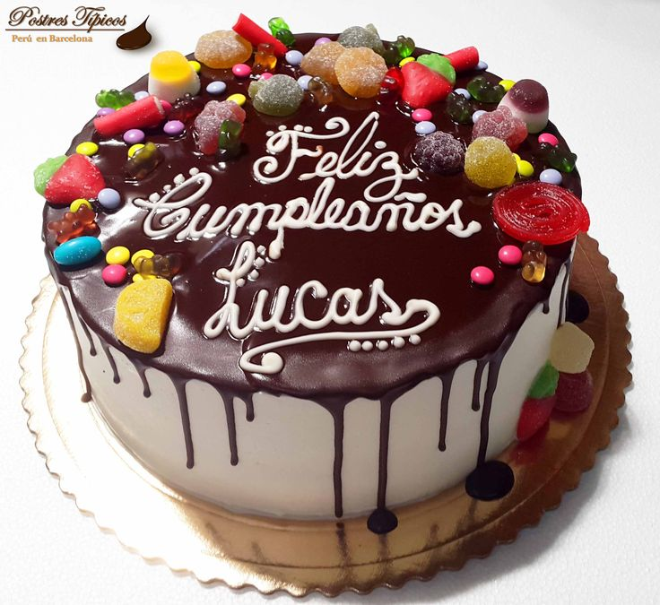 Torta infantil de chantilly y chocolate con chuches for Decoracion espejo en tortas
