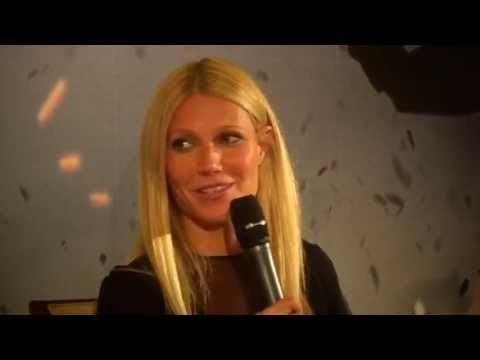 Gwyneth Paltrow parle en français de son rôle dans Iron Man 3 [HD] - YouTube