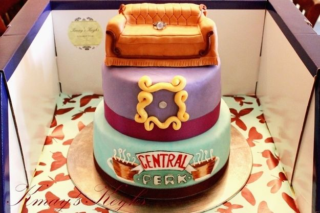 90s themed Birthday cakes... very cool. I'd like to see a Krueger cake oooooor a cake theme of the greatest works of literature (yeah, nerd here)