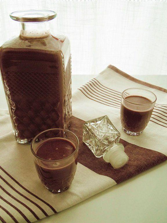 Licores y cremas caseros para las sobremesas de las reuniones familiares y entre amigos