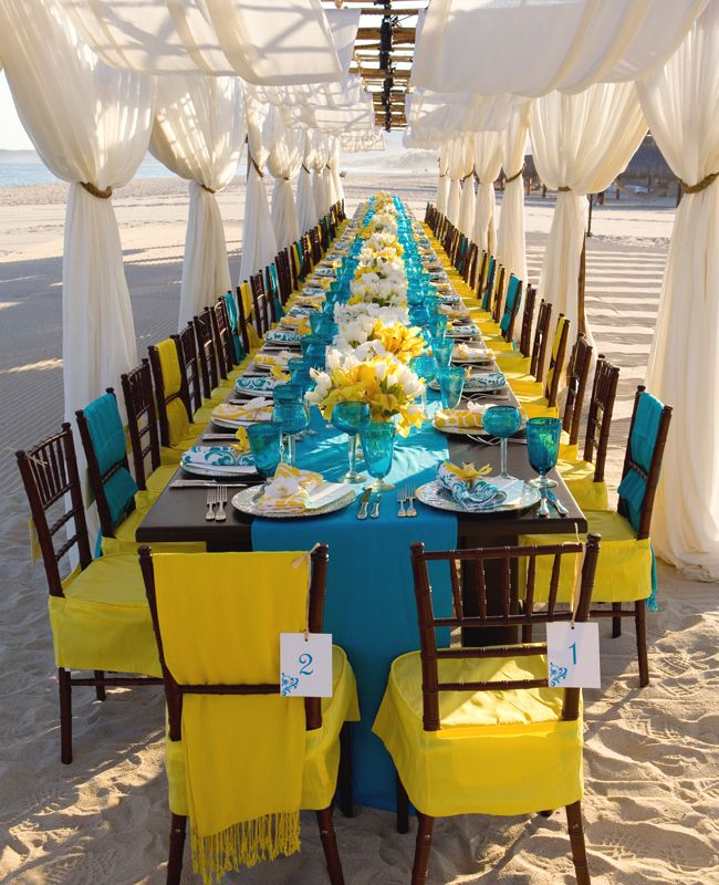 Bright Beach Wedding by Mindy Weiss. Photo: Simone and Martin Photography