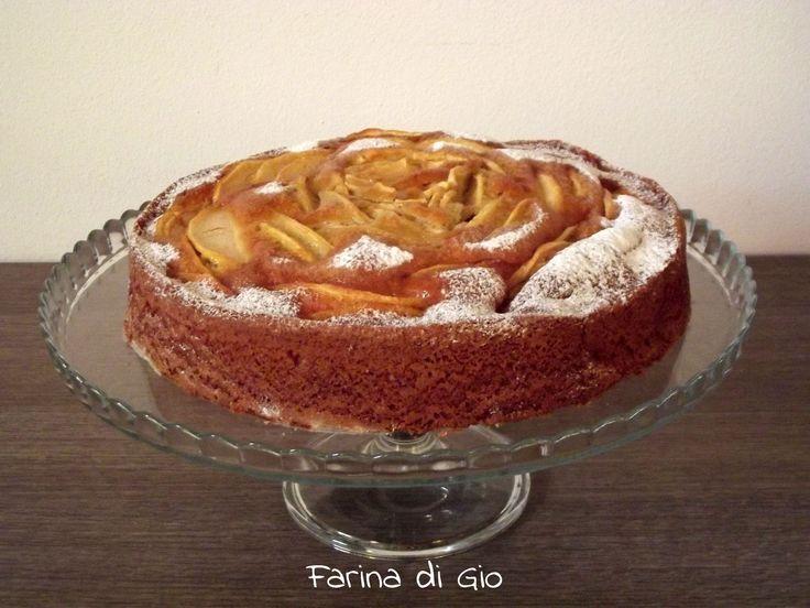 torta di mele con farina di farro e riso, adatta a intolleranti al grano e intolleranti al frumento