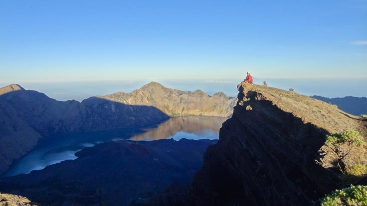 Trekking Mt. Rinjani - Indonesia's 2nd-highest volcano!