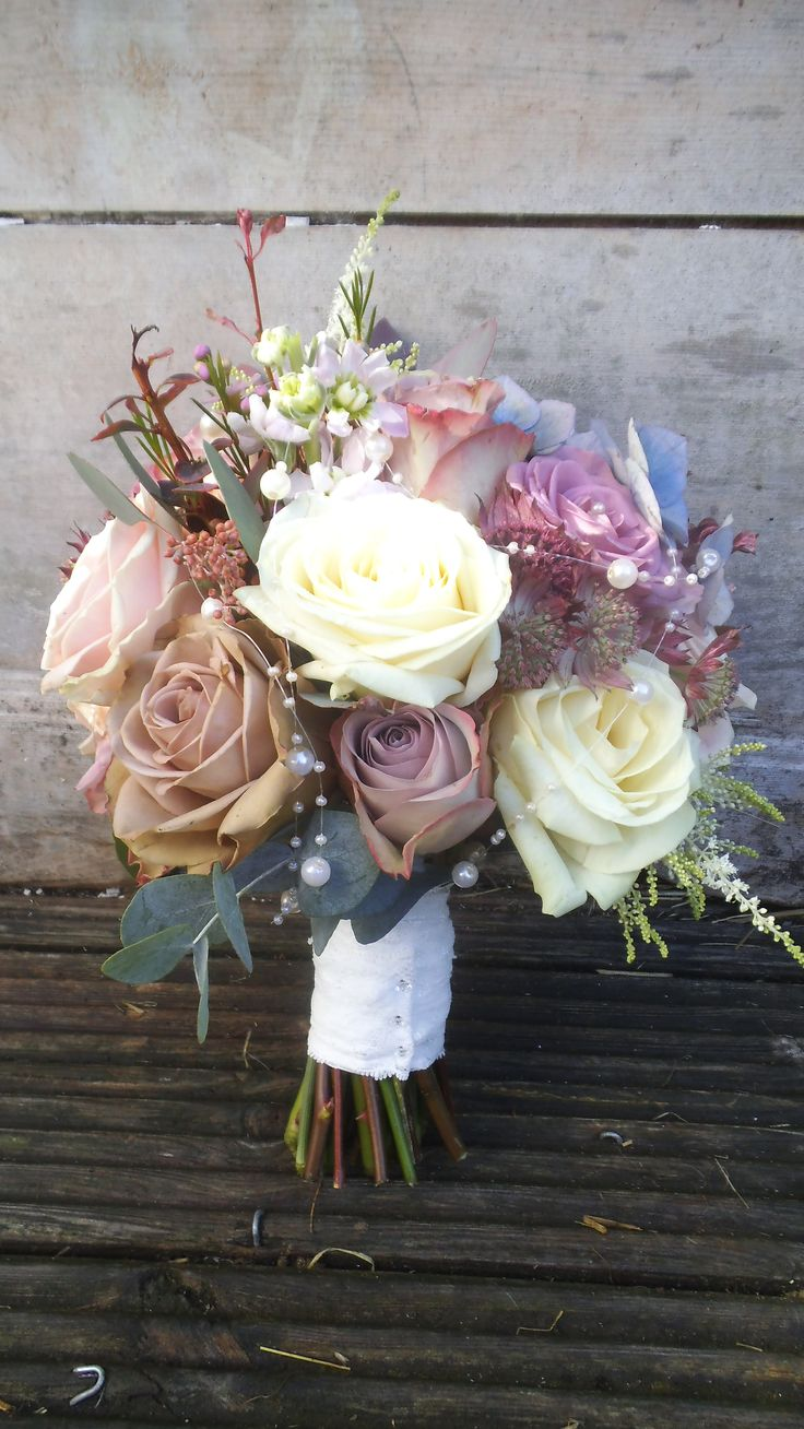 Ivory Bouquet With Mauve Bride With Have White With Mauve