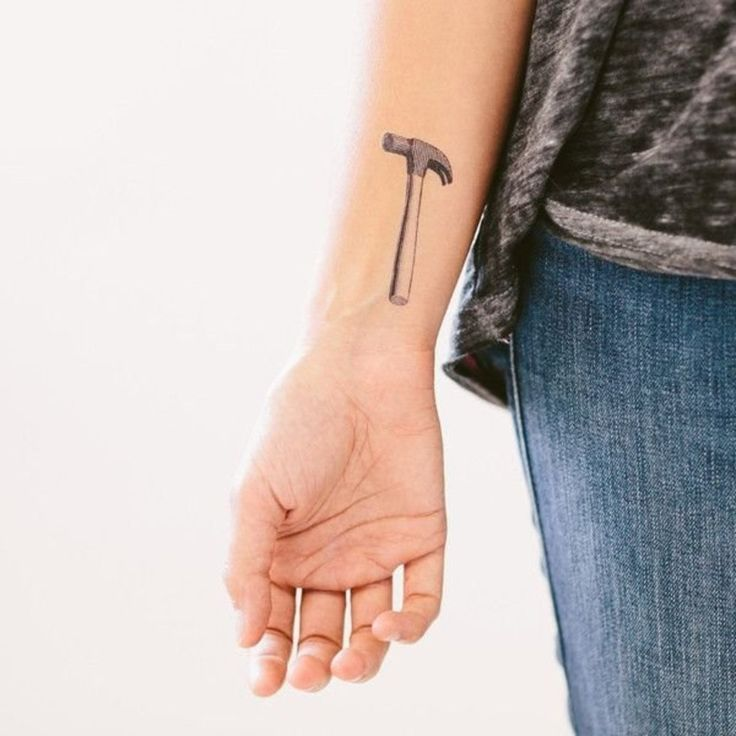 37 discreet yet powerful feminist tattoos, from quotes to symbols