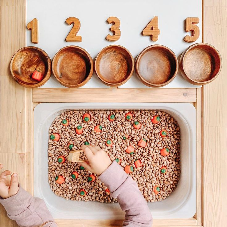 🎃 Pumpkin Picking 🎃 I know, I know pumpkins don't grow underground, but for this activity let's just go ahead and pretend they do mmkay. Montessori Playroom, Montessori Toddler, Toddler Play, Baby Play, Montessori Homeschool, Sensory Activities Toddlers, Montessori Activities, Infant Activities, Sensory Table