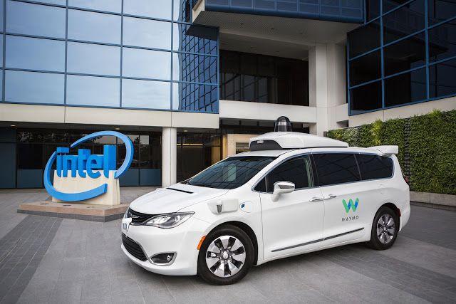 La tecnología autónoma de Waymo depende de chips de Intel   Ambas compañías dieron a conocer que trabajan juntas en el desarrollo de la tecnología para vehículos autónomos desde mucho antes de lo que hasta ahora se sabía.  Intel está decidida a liderar a los fabricantes de chips en el desarrollo de vehículos autónomos y está trabajando estrechamente con Waymo para que eso suceda.  El fabricante de procesadores anunció que es el proveedor oficial de chips para la flota de minivans autónomas…