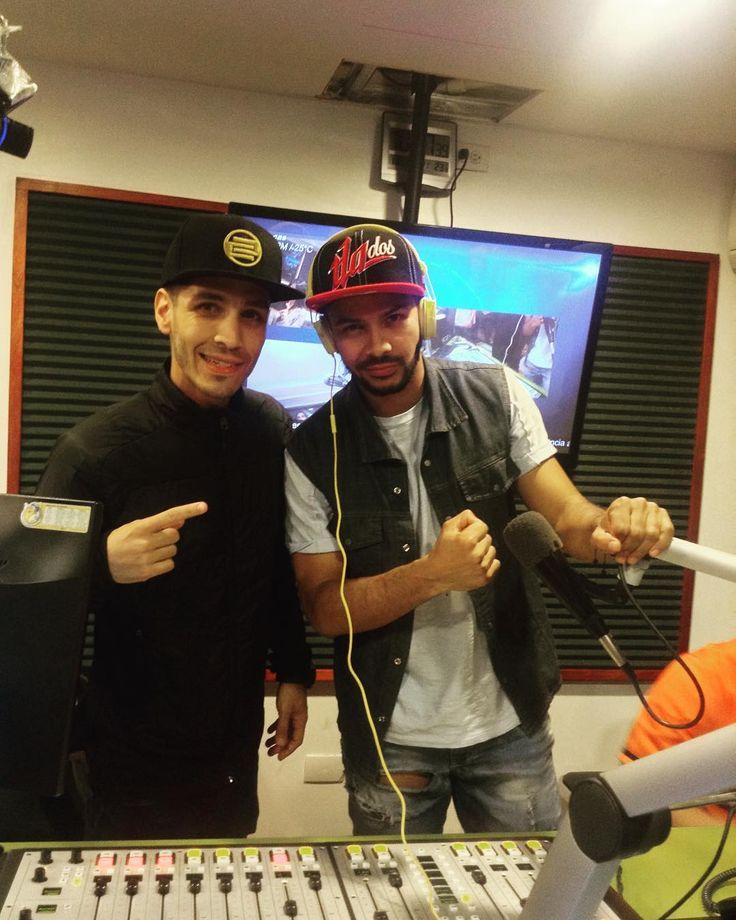 Escúchame en vivo por @rdigitalfm 100.7 FM en Caracas junto a @jrjuniorshow @djmauromezcla @cesartorresdj y por @reloopdjacademy @djcripsofficial @stefanozimbardi y @sebasmove - #DJPflow #EnLaMezcla #DJ #DJLife #Caracas #Venezuela