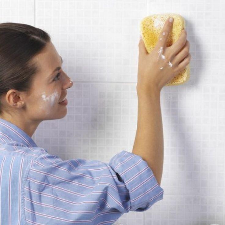 Comment nettoyer votre salle de bains pour qu'elle soit reluisante comme au premier jour ? Nos conseils pour un miroir impeccable...