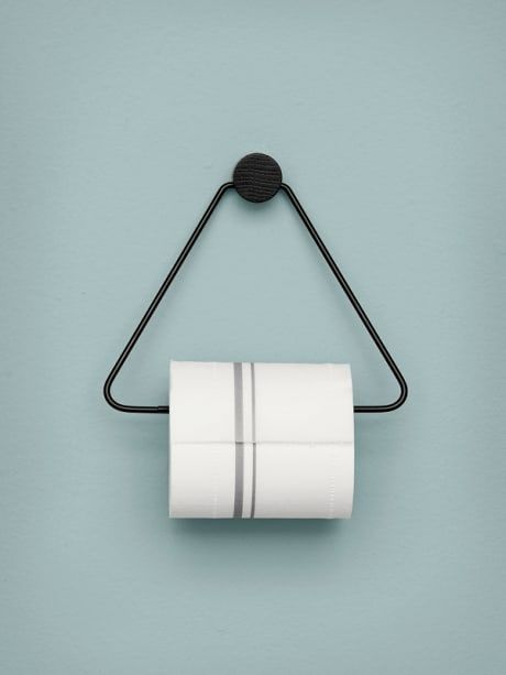 The black toilet paper holder is both beautiful and functional – the perfect accessory for any bathroom. The black stained oak and black metal give the toilet paper holder a timeless look.
